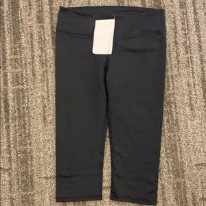 Fabletics three quarter yoga pant